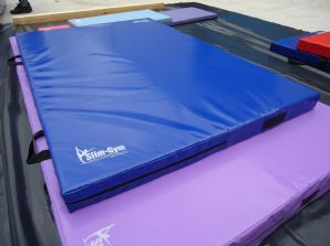 "6FT x 4FT x 4"" THICK (610gsm) Safety Matress Crash Mat (DARK BLUE)"